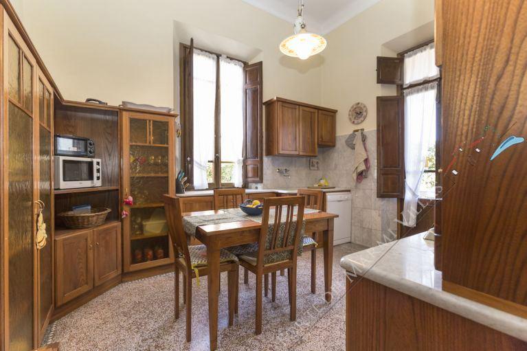 Villa  Liberty Pietrasanta  : Dining room