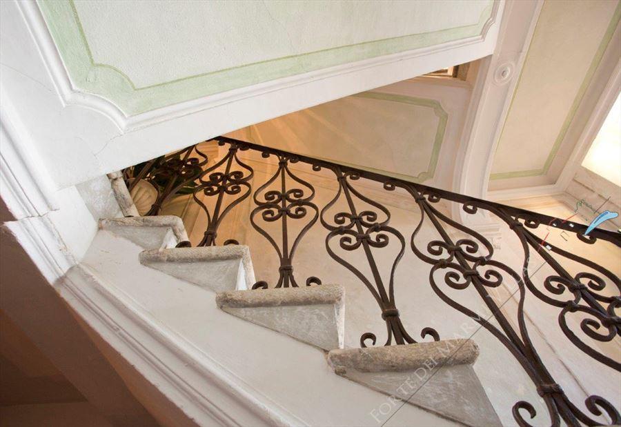 Villa Astri Vista Mare : Scale di marmo