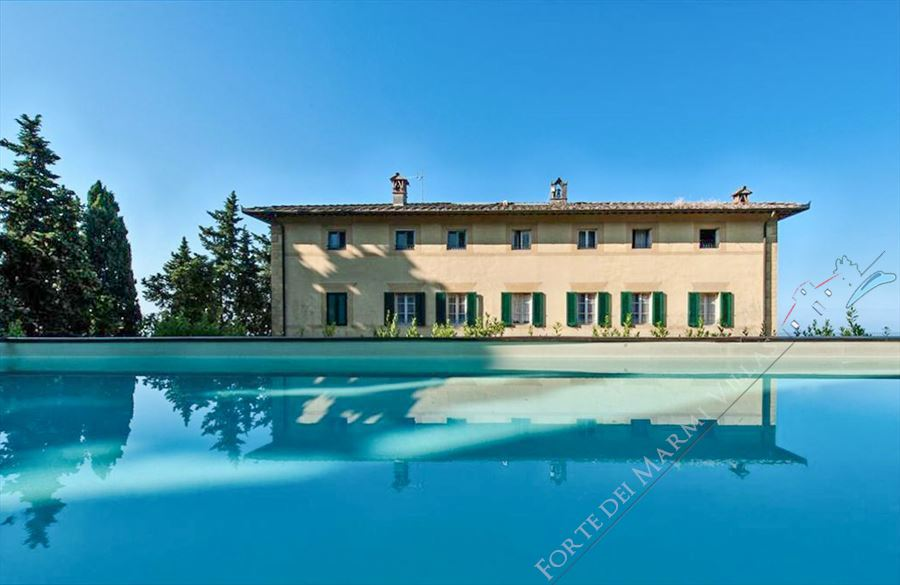 Villa Reale  detached villa to rent and for sale Pietrasanta