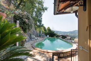 Villa Charme Toscana : Detached villa Camaiore