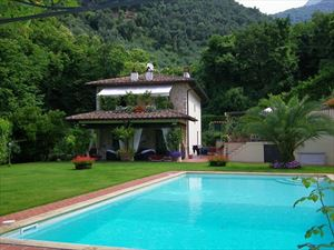 Villa  Prestigio   : Detached villa Camaiore