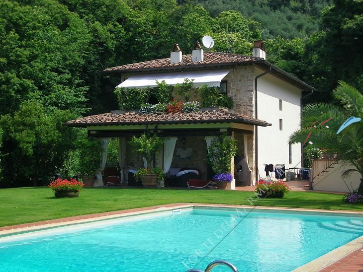 Villa  Prestigio   - Detached villa Camaiore