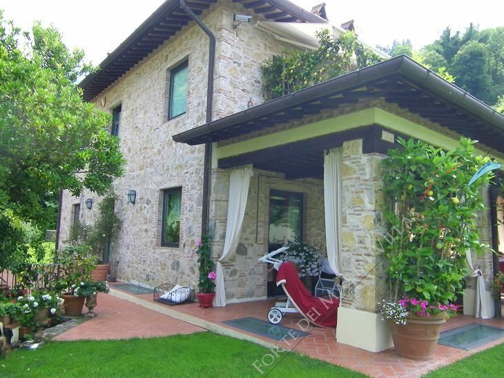 Villa  Prestigio   : Outside view