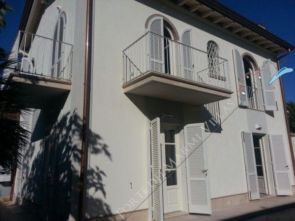 Villa Moderna  - Detached villa Forte dei Marmi