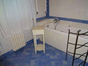 Villa Rosa dei Venti  : Ванная комната с ванной