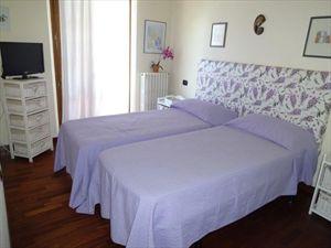 Villa Rosa dei Venti  : спальня с двуспальной кроватью