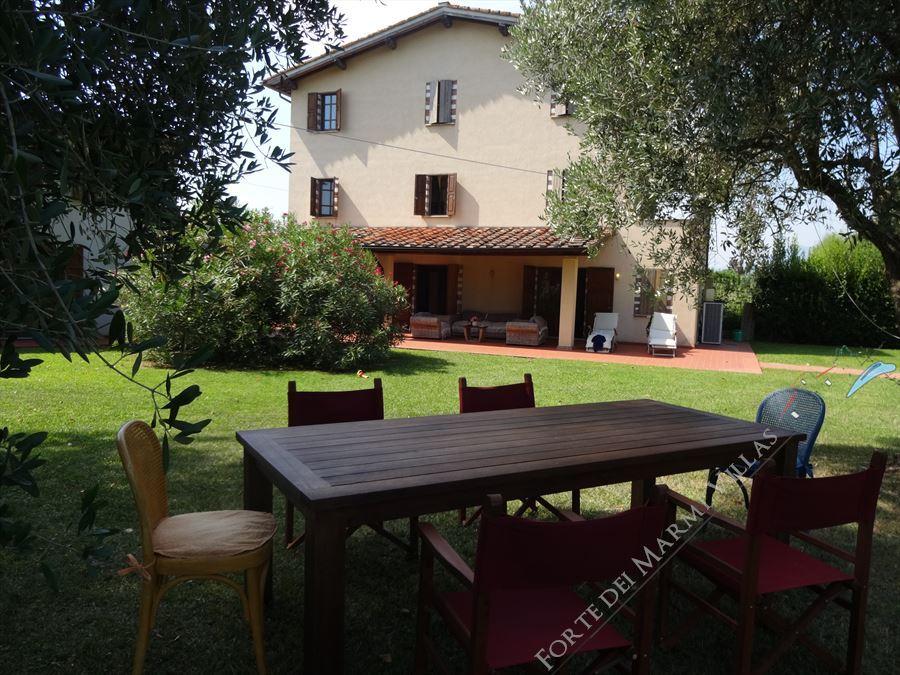 Tenuta Magna con parco - Villa singola Pietrasanta