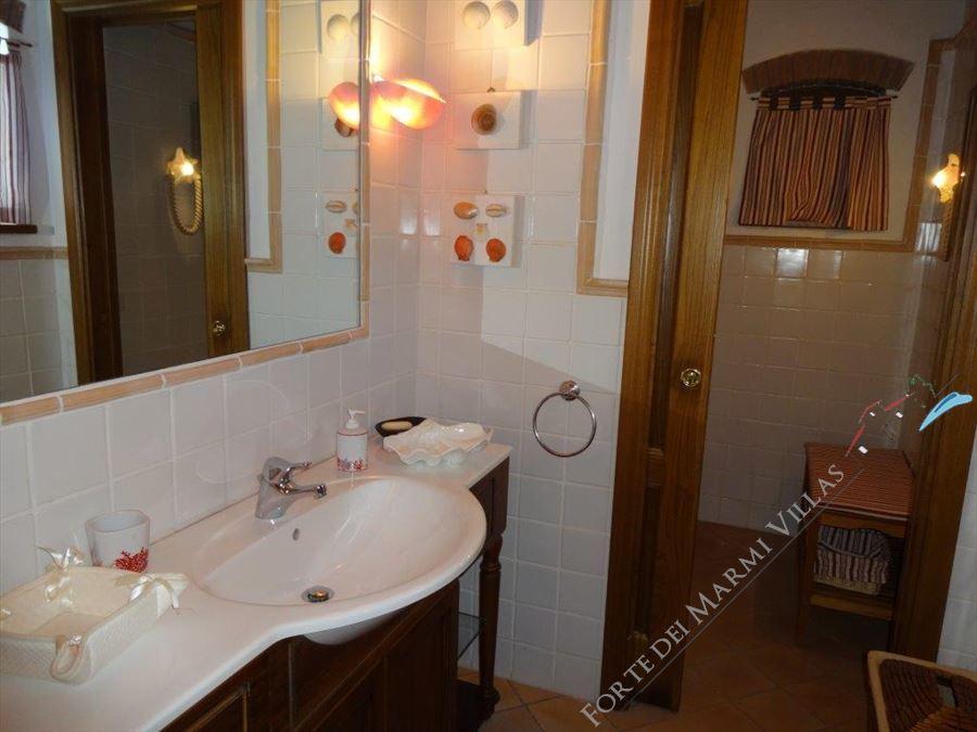 Villa Tenuta Magna  : Bagno con doccia
