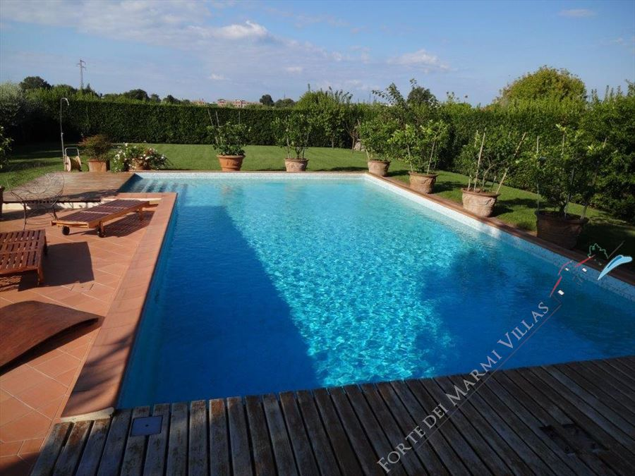 Villa dei Cedri Semi detached villa  to rent  Camaiore