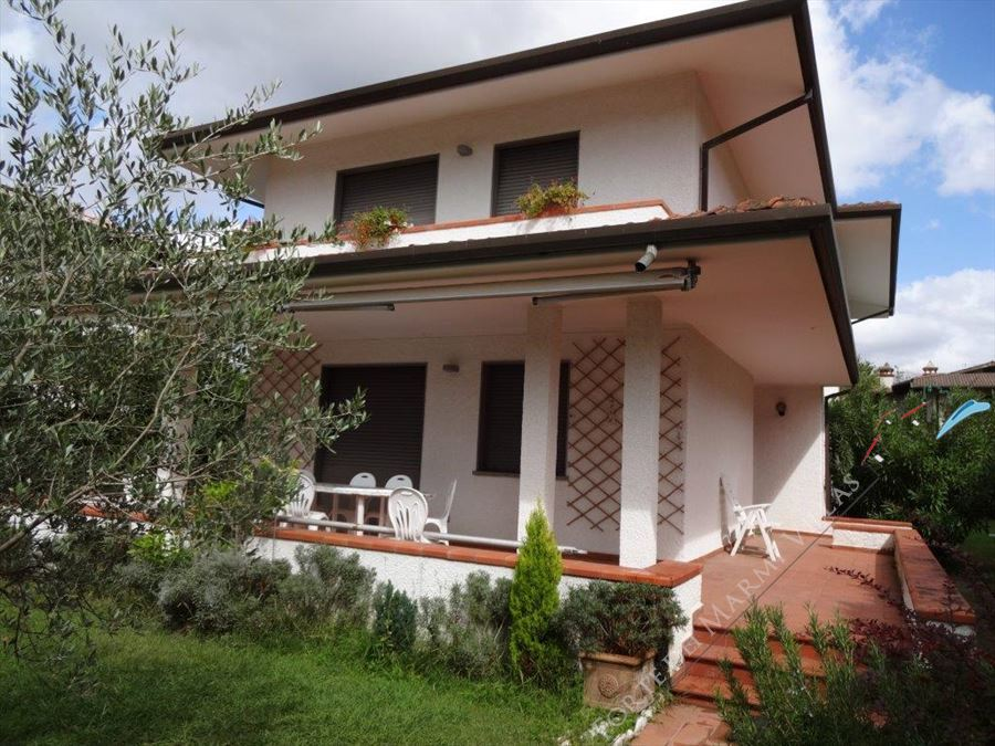 Villa Carrarese   - Detached villa to Rent and for Sale Forte dei Marmi
