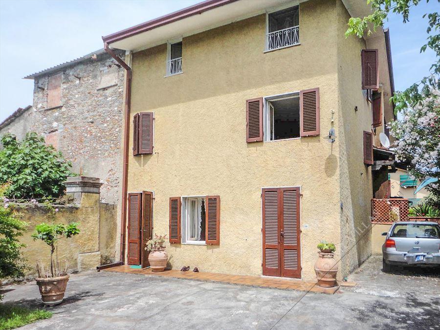 Terratetto con Giardino Одноэтажный дом Продажа Форте дей Марми