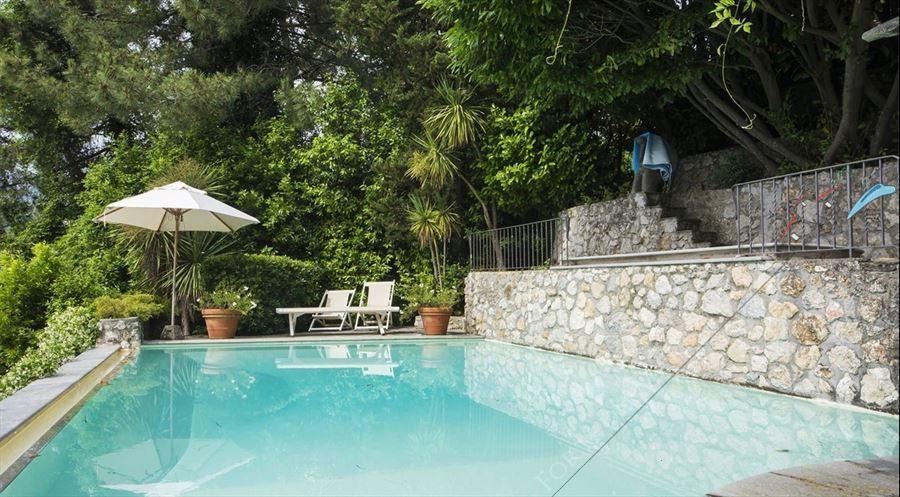Capriglia   con  piscina  e  con  Vista mare  detached villa for sale Pietrasanta