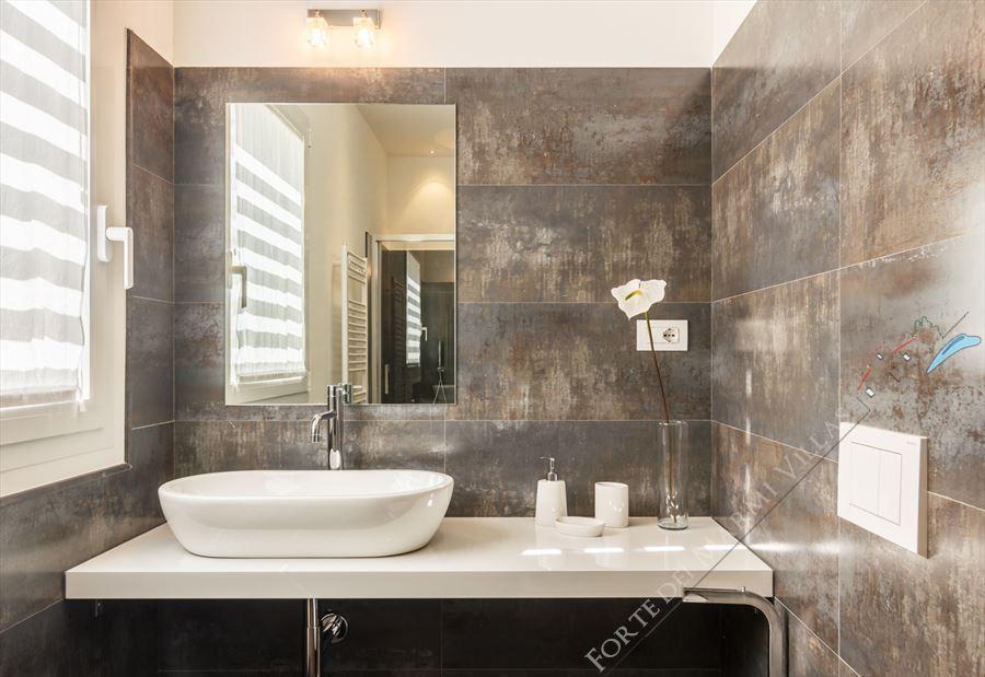 Villa New Roma Imperiale  : Bathroom