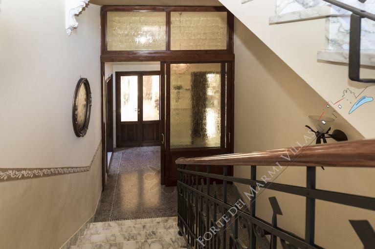 Villa  Liberty Pietrasanta  : Inside view