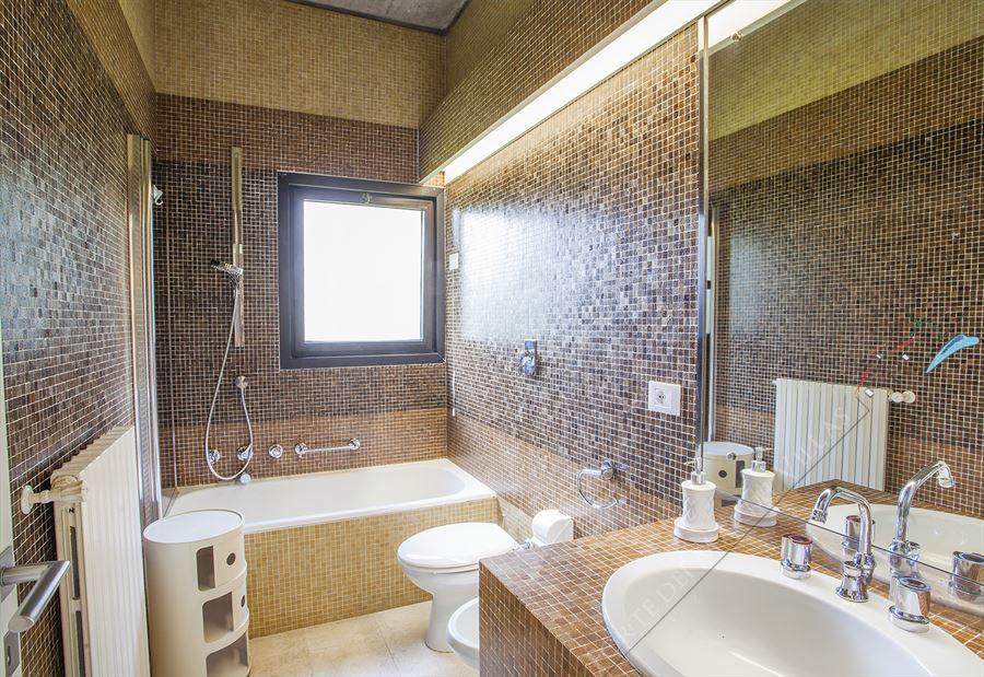 Villa Stone  : Bagno con vasca