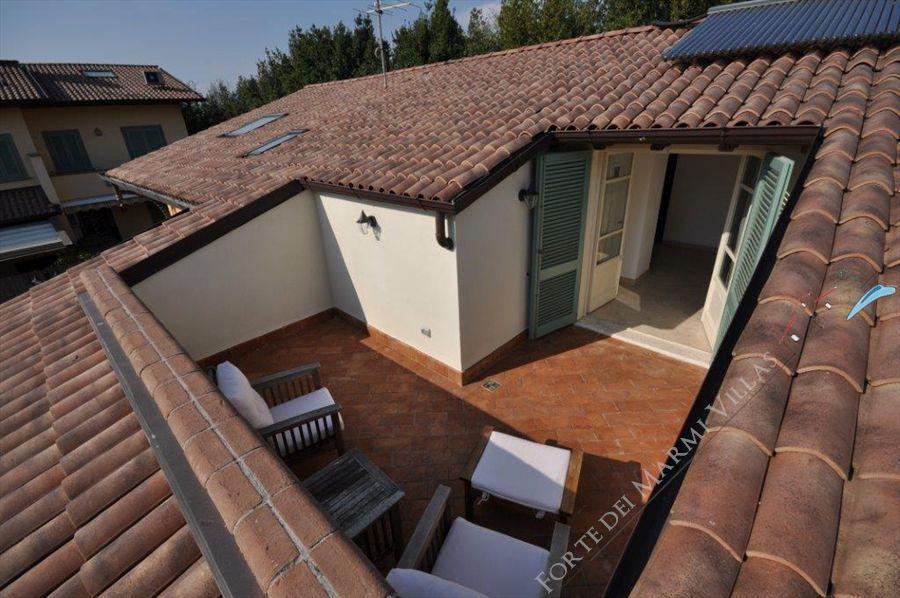 Villa Gialloverde Detached Villa For Rent In Forte Dei Marmi