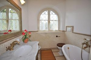 Villa   Gialla  : Bagno con vasca