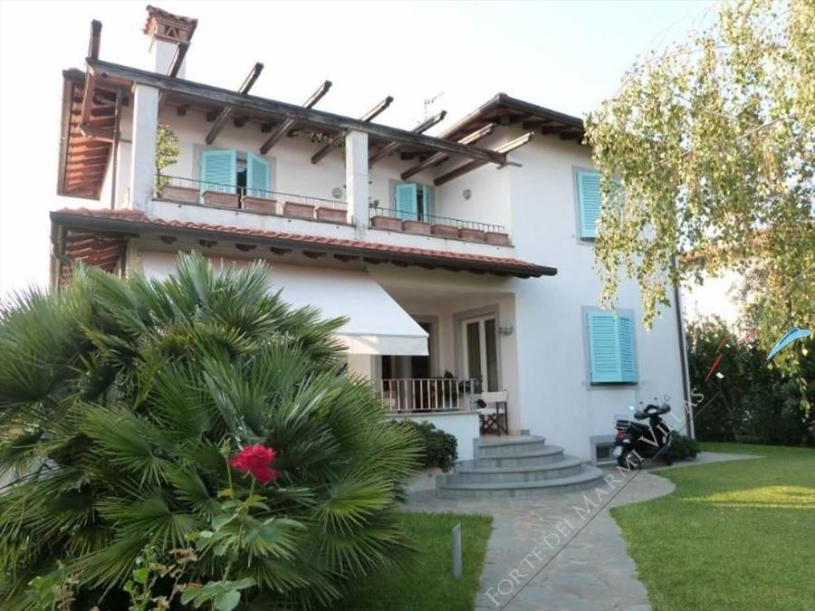 Villa Turchese  detached villa to rent and for sale Pietrasanta