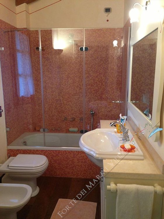 Villa Clooney  : Bathroom with shower