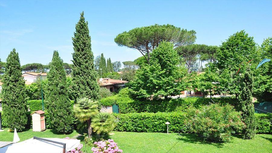 Villa  Pieraccioni  : Outside view