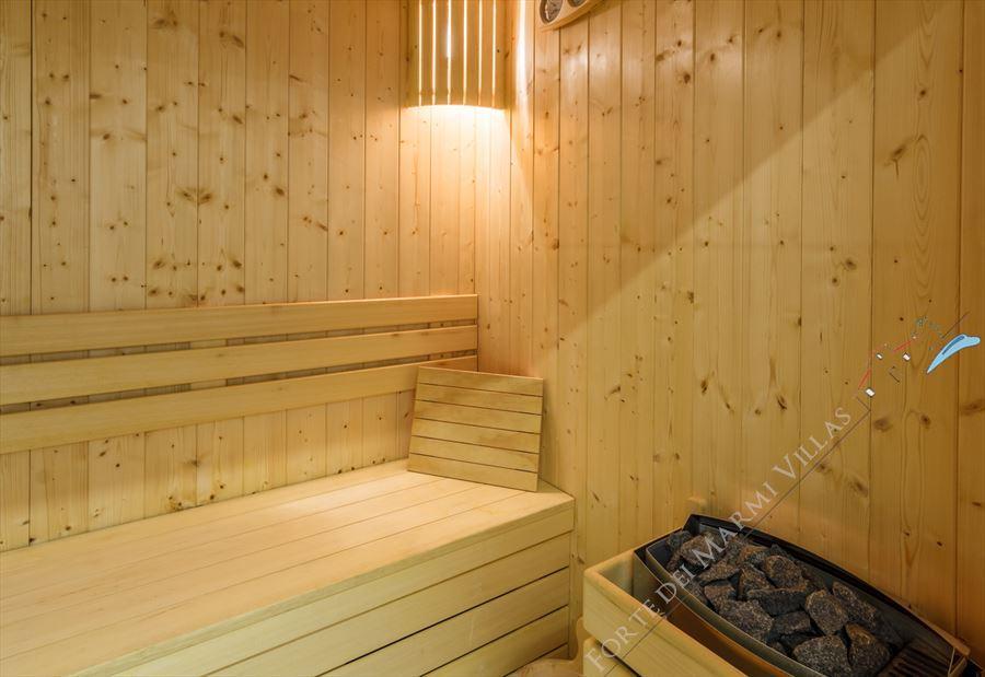 Villa New Roma Imperiale  : Sauna