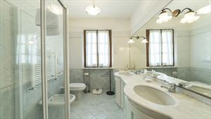 Villa Goya : Bathroom with tube