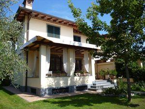 Villa Beatrice  villa bifamiliare in affitto Caranna Forte dei Marmi
