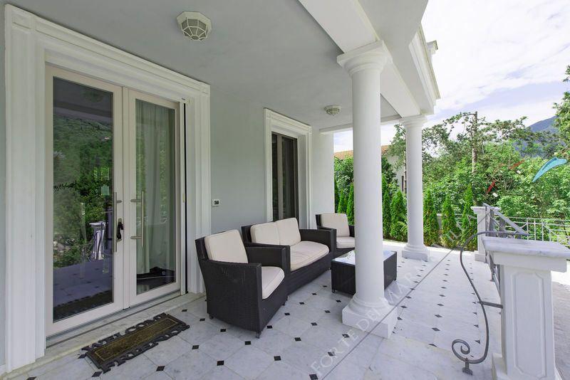 Villa Cherry : Outside view