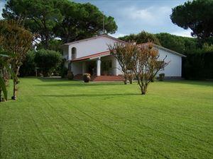 Villa Flora Roma Imperiale : Вид снаружи