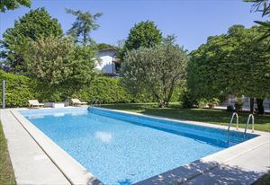 Villa Stone : Detached villa for sale Forte dei Marmi