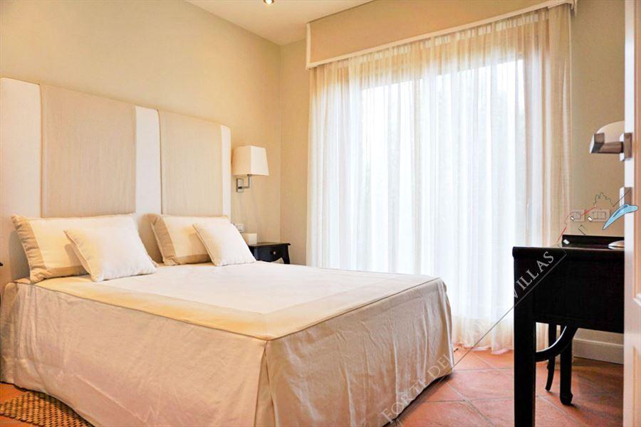 Villa Punta Ala : master bedroom
