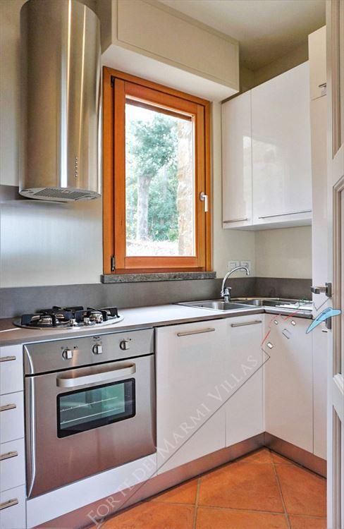Villa Punta Ala : Kitchen