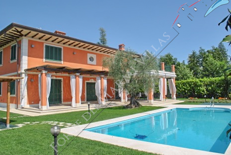 Villa Butterfly detached villa to rent and for sale Forte dei Marmi