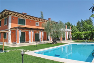 Villa Butterfly : detached villa to rent and for sale Caranna Forte dei Marmi