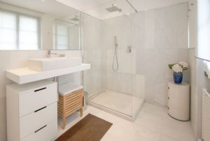 Villa Enrico  : Bathroom with shower