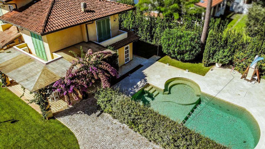 Villa  Amarcord Отдельная вилла  в аренду  Форте дей Марми