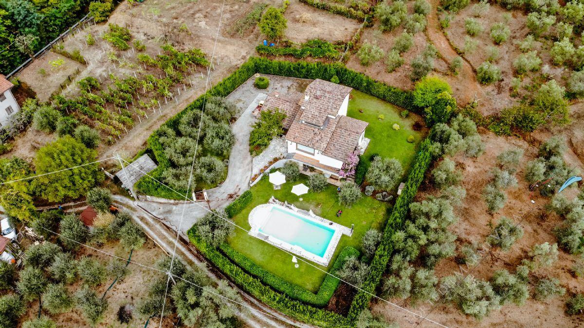 Villa Dolce Vita Отдельная вилла Аренда и на продажу Камайоре