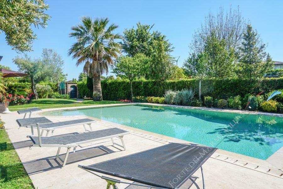 Villa delle Rose : Swimming pool