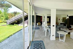 Villa Ronchi Beach  : Inside view