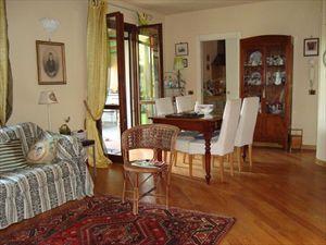 Villa Dina : Vista interna