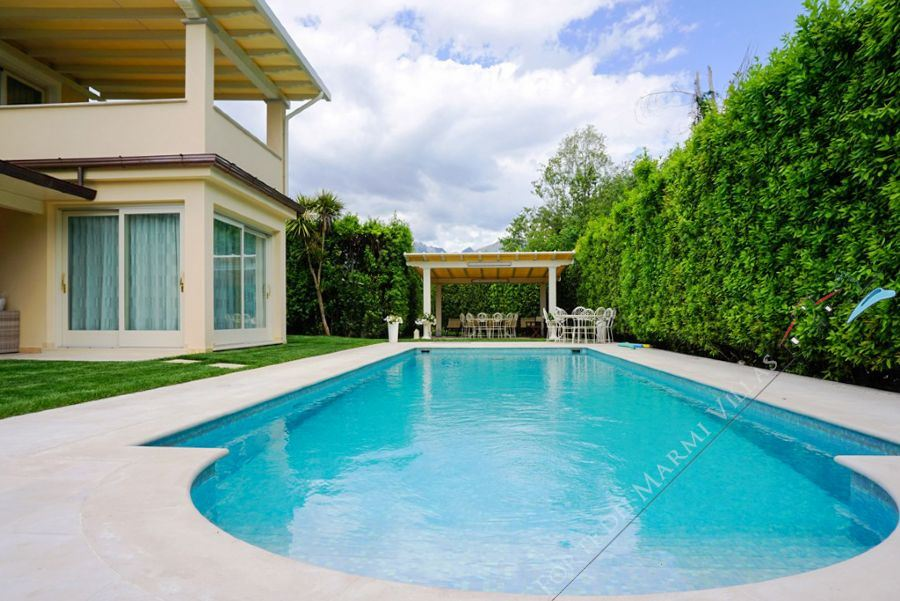 Villa Romantica : Swimming pool