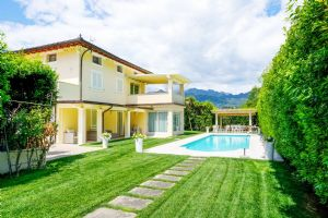 Villa Romantica : detached villa to rent and for sale Centro Forte dei Marmi