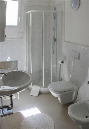 Appartamento Vale  primo  : Ванная комната с душем