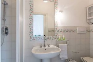 Villa Eva : Bathroom with shower
