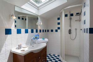 Villa Eva : Bagno con doccia