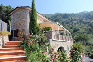 Villa Arianna : Vista esterna