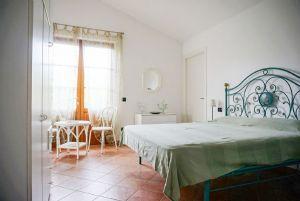 Villa Rosa : спальня с двуспальной кроватью