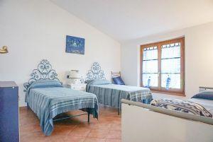 Villa Rosa : спальня с двумя кроватями