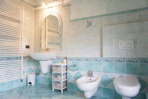 Villa Rosa : Bagno con doccia