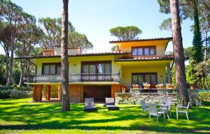 Villa Donatello : detached villa to rent and for sale Roma Imperiale Forte dei Marmi